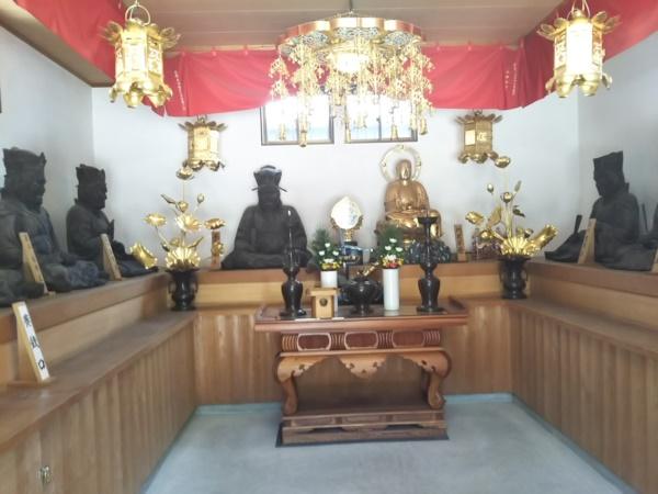 十王堂の内部