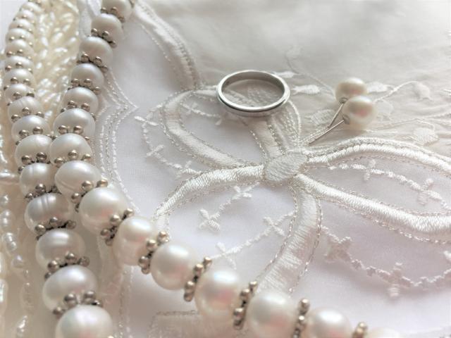 ミニマリストの冠婚葬祭 服やバックはどうしてる?