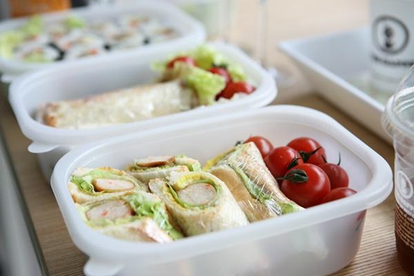 サンドイッチの弁当箱がない時に代用ができるもの!子供が持ち運びするならコレ!